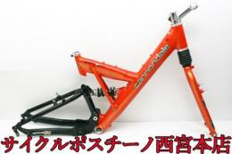 【JP76】CANNONDALE SUPER V700 26インチ アルミフレームセット 中古品